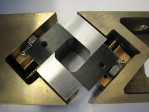 Corking Mechanism with jaws